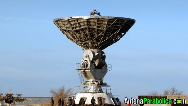 Antena parabólica gigante